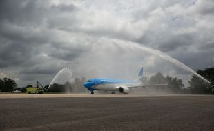 boeing_aerolineas_argentinas_celebrate_delivery_of_airlines_first_737_max