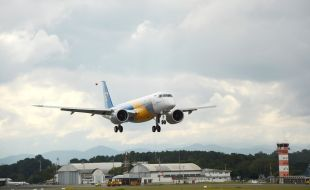 embraer_receives_delivery_of_first_pratt_whitney_geared_turbofan_powered_production_engines_for_e190-e2_program