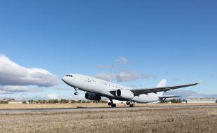 first_south_korean_a330_mrtt_lands_in_busan_for_acceptance_tests