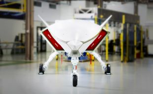 Boeing's Loyal Wingman Program Achieves 'Weight on Wheels' Milestone - Κεντρική Εικόνα