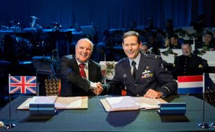 marshall_signs_14-year_contract_to_support_royal_netherlands_air_force_c-130h