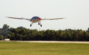 Boeing MQ-25 Unmanned Aerial Refueler Completes First Test Flight - Κεντρική Εικόνα