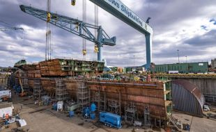 newport_news_shipbuilding_completes_806-metric_ton_superlift
