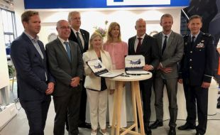 Boeing and SPECTO sign Chinook rotor blade repair license agreement at Paris Air Show - Κεντρική Εικόνα