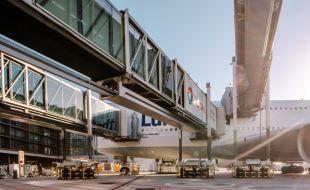 thyssenkrupp_elevator_pbb_at_frankfurt_airport_2_image_w886