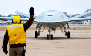 Triumph Group Awarded Contract To Support Boeing MQ-25 Unmanned Tanker For The U.S. Navy - Κεντρική Εικόνα
