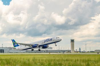 airbus_delivers_first_aircraft_from_mobile_powered_by_sustainable_jet_fuel_blend