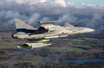 gripen_e_flies_with_meteor
