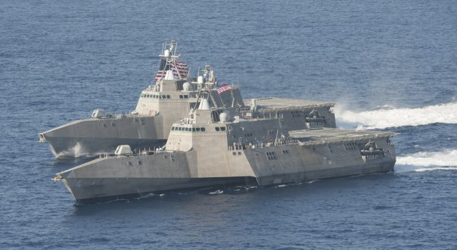 140423-n-vd564-014_2_-_at_sea_lcs_2_4_alongside_each_other