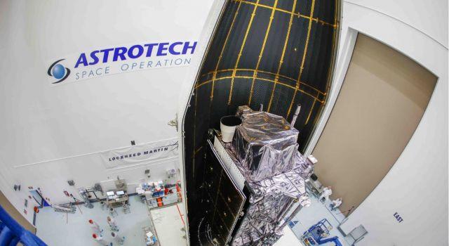 Launch Fairings Up: Second Lockheed Martin-Built GPS III Satellite Ready For July 25 Liftoff - Κεντρική Εικόνα