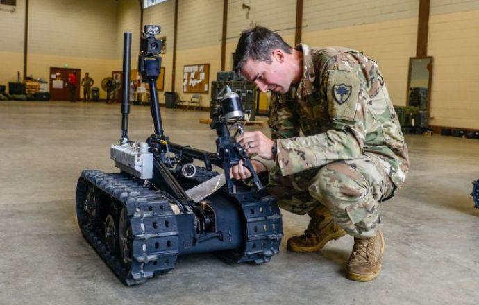 QinetiQ North America Wins U.S. Army CRS(I) contract for small ground robots - Κεντρική Εικόνα